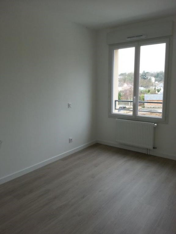 Rental apartment Laval 604€ CC - Picture 7