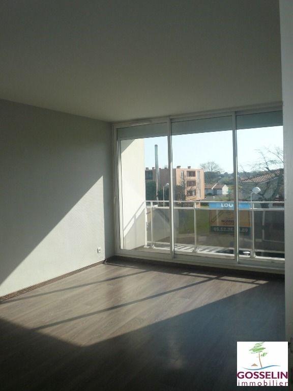 Verhuren  appartement Biscarrosse 560€ CC - Foto 2