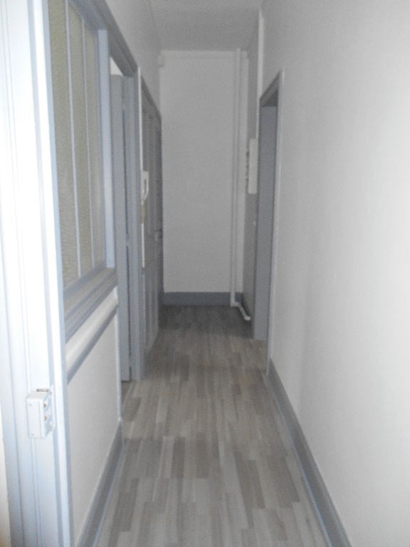 Location appartement Saint quentin 420€ CC - Photo 6
