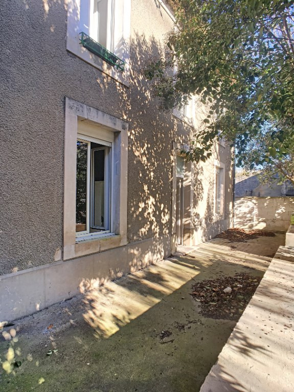 Vente maison / villa Roquemaure 179 000€ - Photo 4