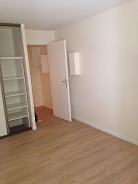 Rental apartment Saint germain en laye 830€ CC - Picture 3