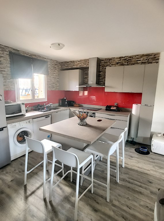 Vente de prestige loft/atelier/surface St laurent du var 670000€ - Photo 4