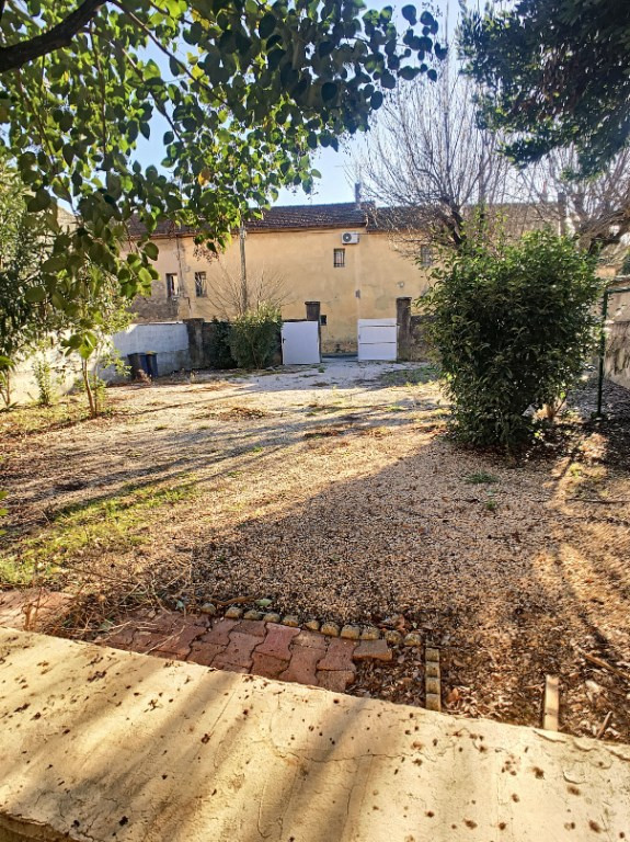Vente maison / villa Roquemaure 179 000€ - Photo 5