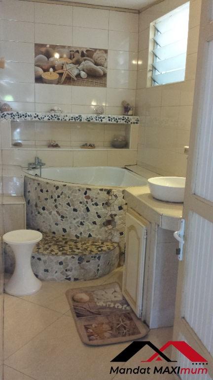 Vente maison / villa Saint benoit 165000€ - Photo 4