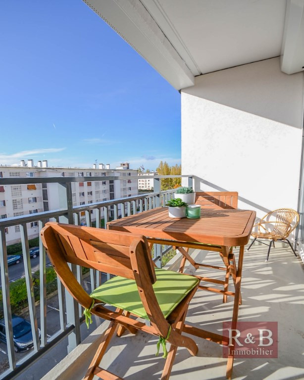 Sale apartment Les clayes sous bois 167000€ - Picture 3