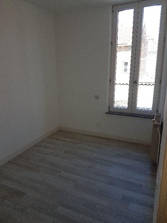 Rental house / villa Saint quentin 410€ CC - Picture 8