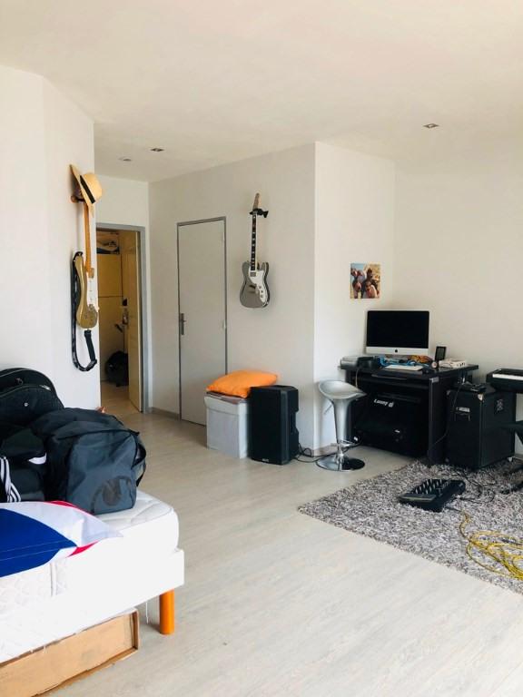 Sale house / villa Cherves richemont 299000€ - Picture 6