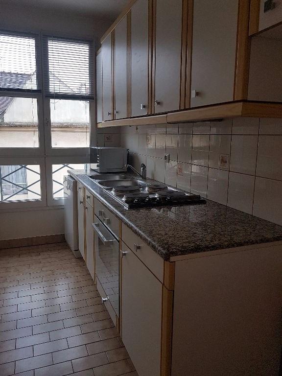 Rental apartment St germain en laye 1110€ CC - Picture 3