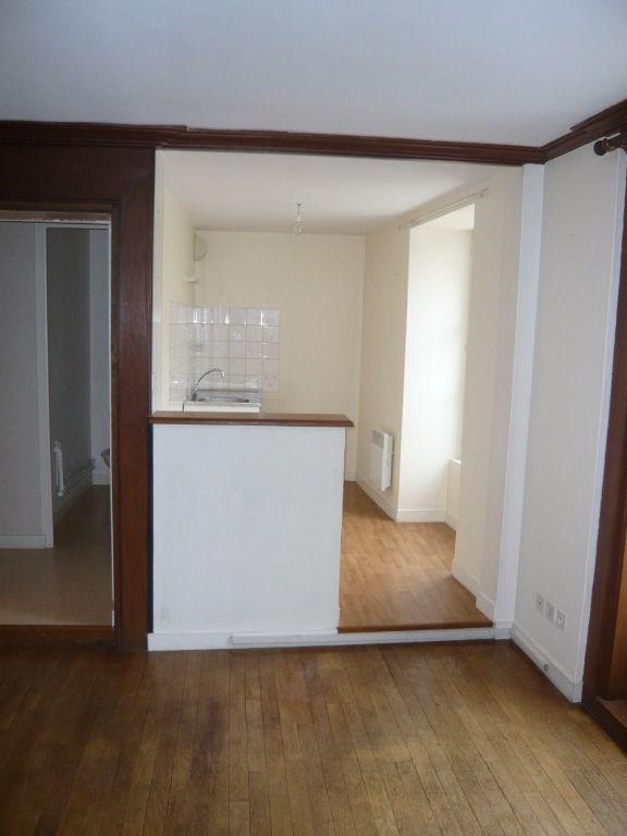 Location appartement Laval 412€ CC - Photo 2