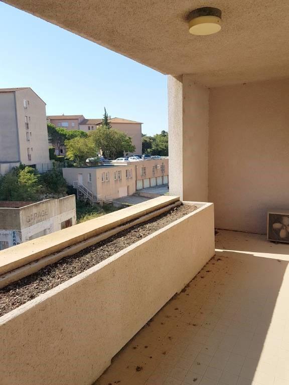 Rental apartment Les angles 789€ CC - Picture 6