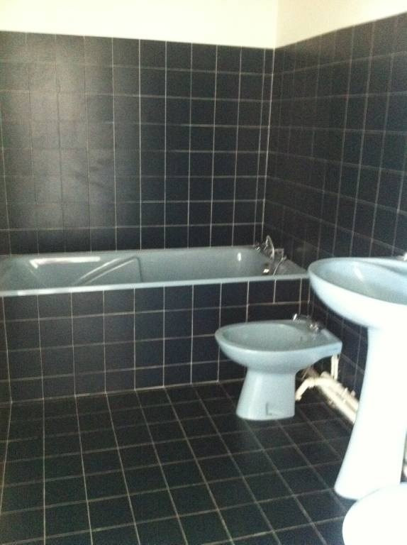 Location local commercial Les angles 530€ CC - Photo 2