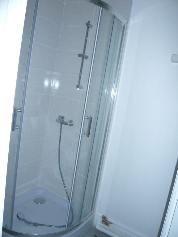 Rental apartment Laval 297€ CC - Picture 4