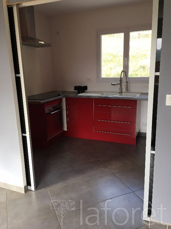 Location maison / villa Bourgoin jallieu 950€ CC - Photo 3
