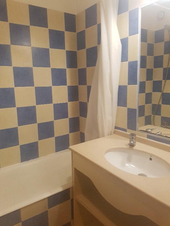 Verhuren  appartement Hyeres 453€ CC - Foto 6