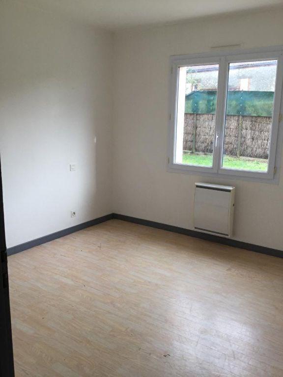 Rental house / villa La ferriere 580€ CC - Picture 6