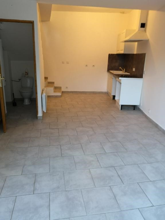 Location appartement Carnoules 715€ CC - Photo 1