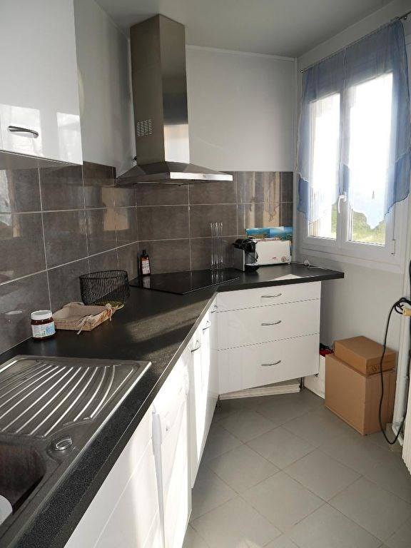 Sale apartment Poissy 149 000€ - Picture 2