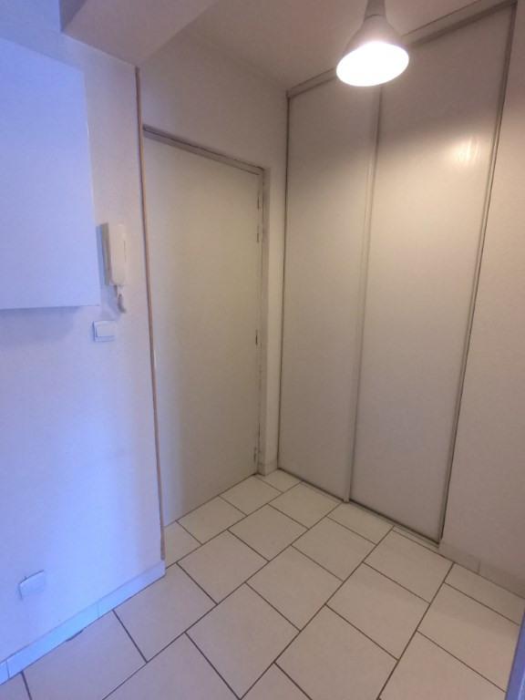 Location appartement Marseille 10ème 546€ CC - Photo 6
