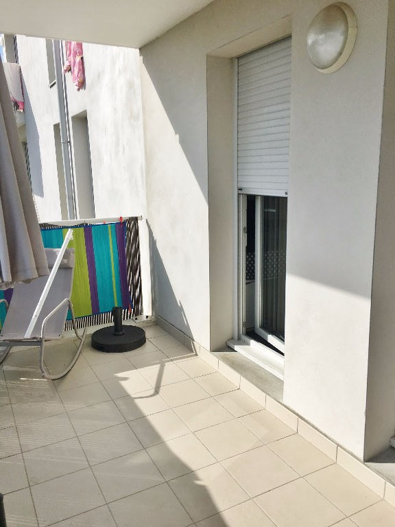 Investment property apartment L isle d abeau 145000€ - Picture 5