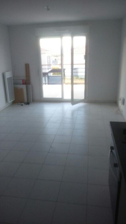 Rental apartment Roquebrune-sur-argens 695€ CC - Picture 2