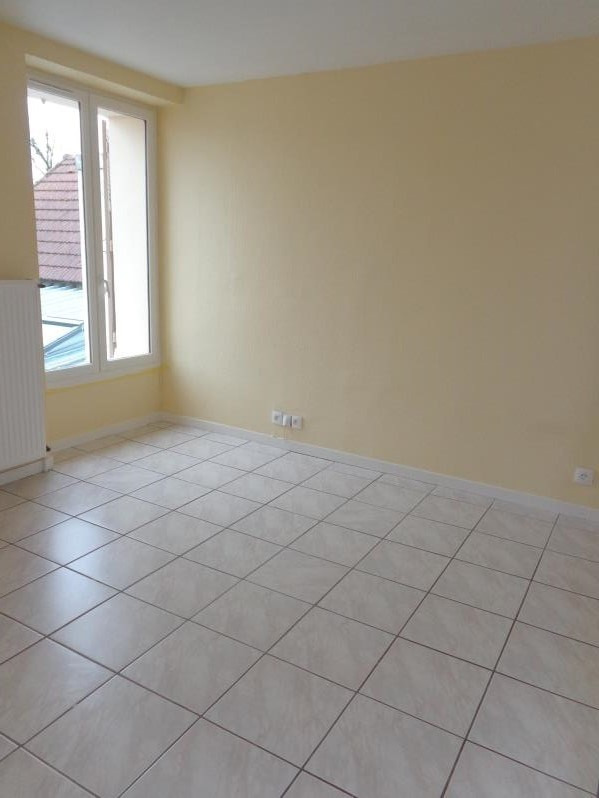 Location maison / villa Cheptainville 982€ CC - Photo 5