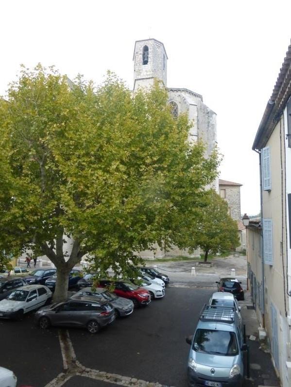 Rental house / villa St maximin la ste baume 730€ CC - Picture 1