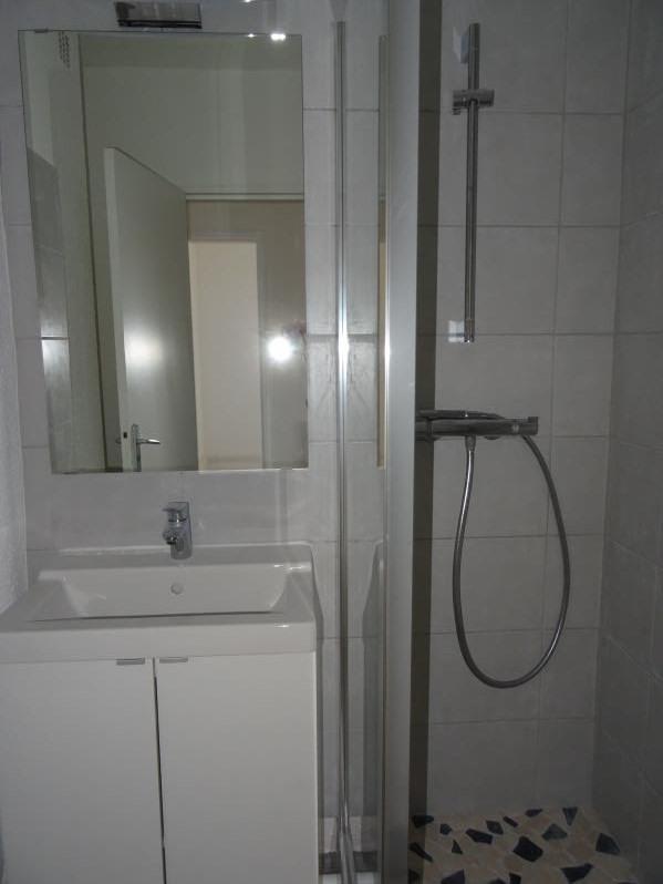 Location appartement Le coteau 530€ CC - Photo 4