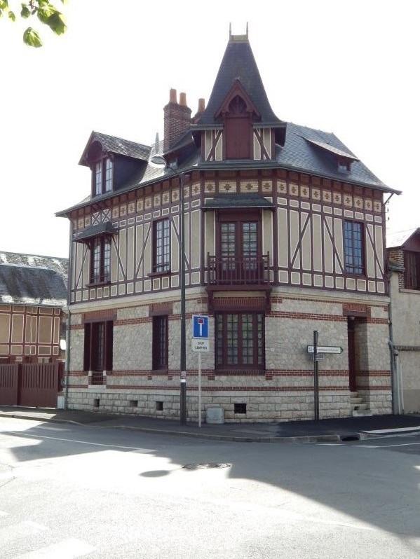 Sale house / villa Vendôme 274000€ - Picture 1