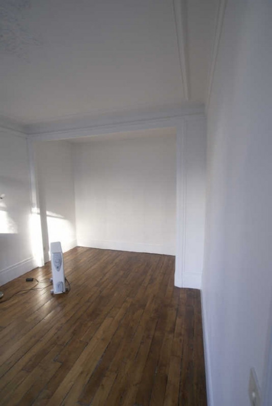 Location appartement Paris 9ème 919,50€ CC - Photo 3