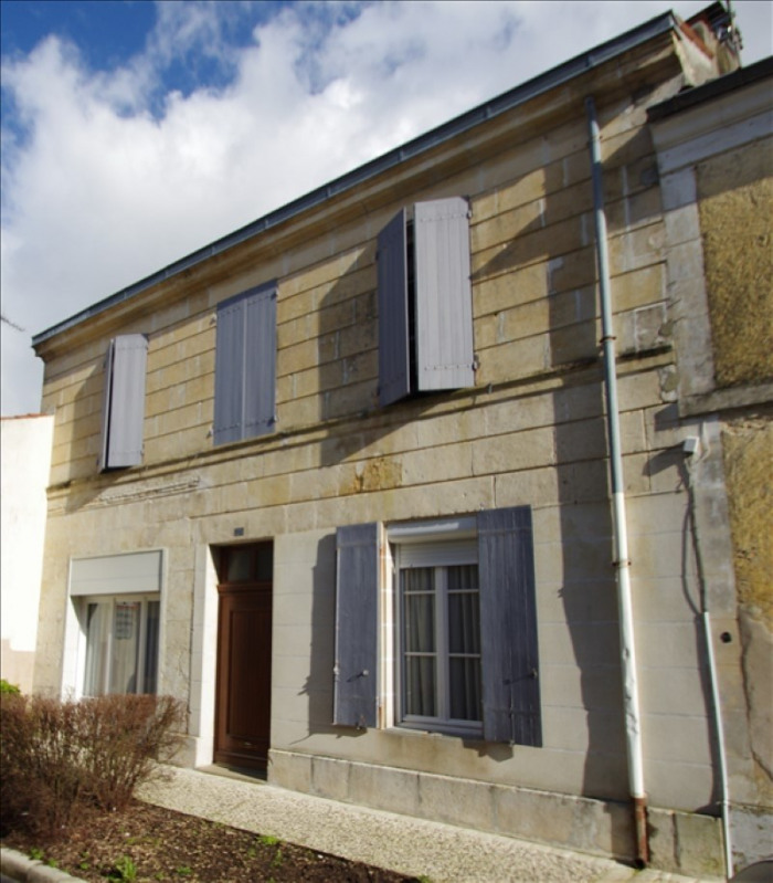 Sale house / villa Surgeres 248 000€ - Picture 2