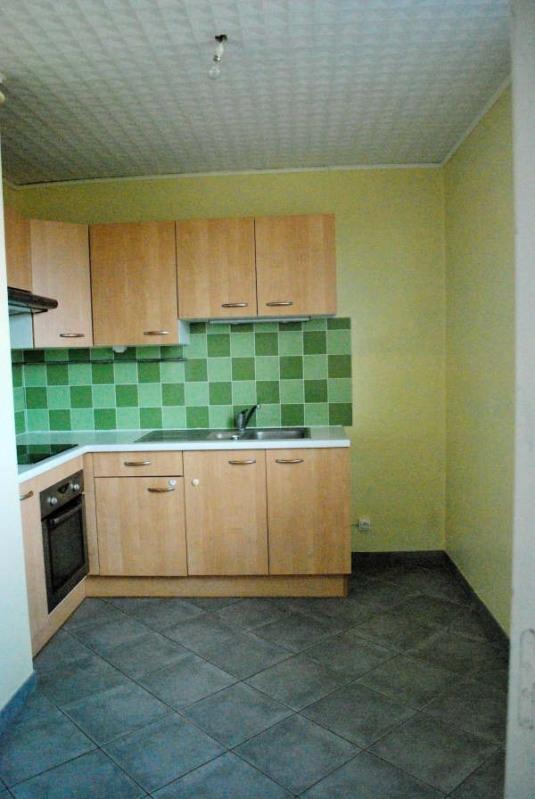 Rental apartment Carbon blanc 731€ CC - Picture 3