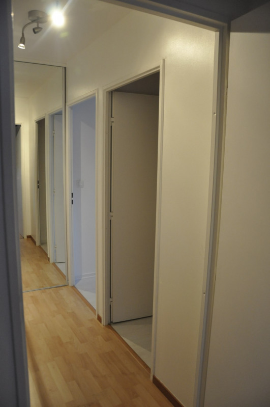 Location appartement Guyancourt 1100€ CC - Photo 2