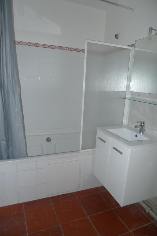 Rental apartment Saint-jean-de-luz 800€ CC - Picture 5