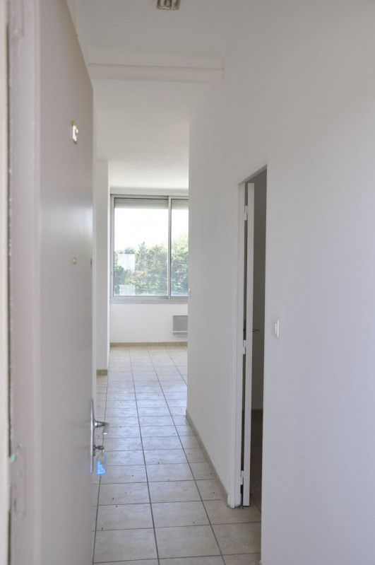 Sale apartment Saint-andiol 68 900€ - Picture 2