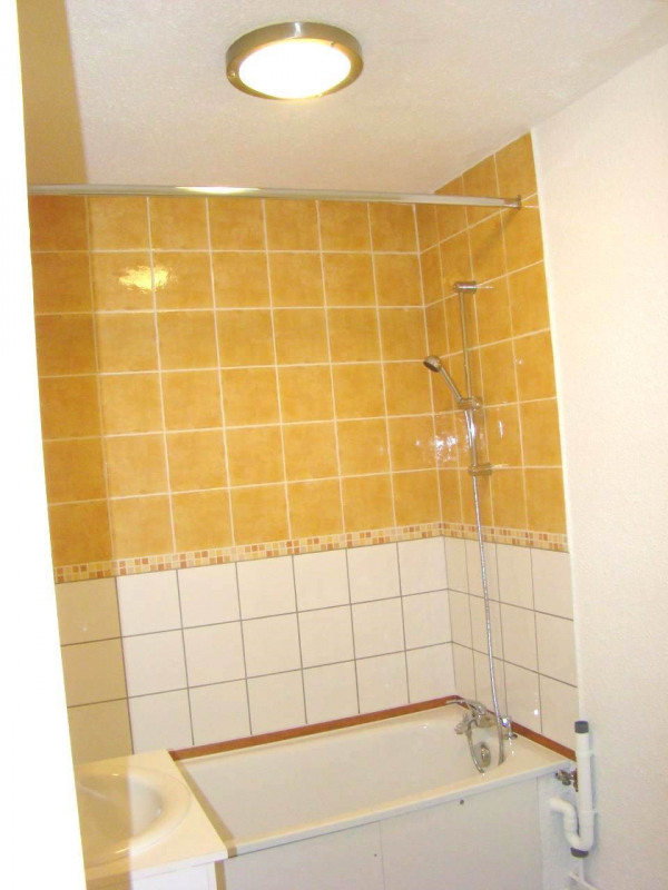 Location appartement Saint-julien-en-genevois 650€ CC - Photo 9