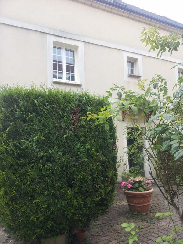 Rental apartment Maurecourt 495€ CC - Picture 1