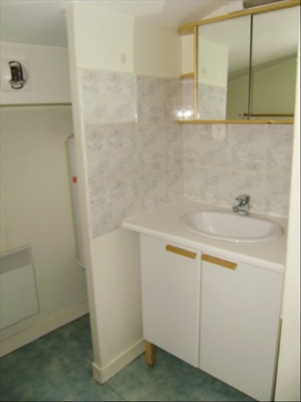 Location appartement Le puy en velay 276,79€ CC - Photo 4