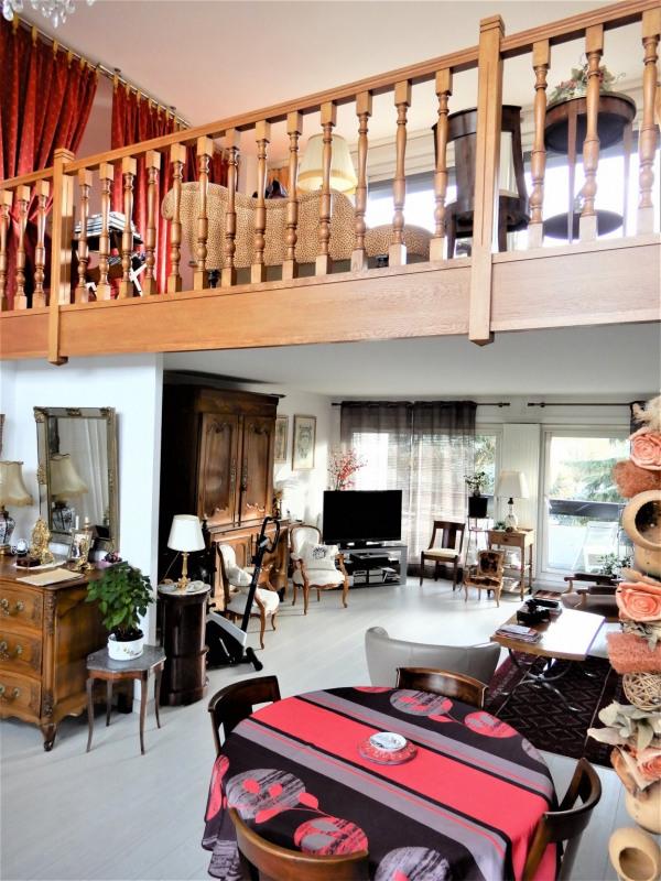 Sale apartment Le coudray montceaux 349000€ - Picture 1