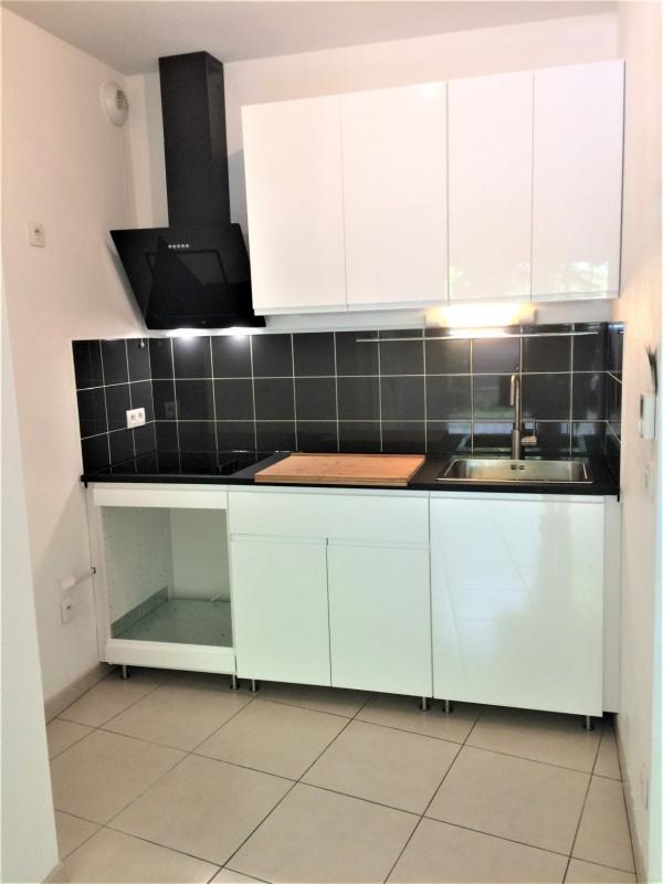 Location appartement La teste de buch 578€ CC - Photo 3