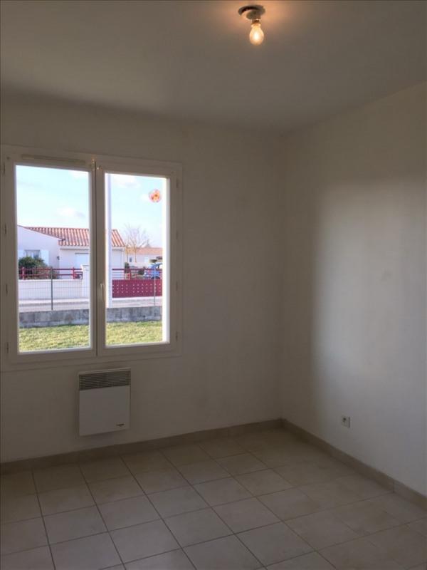 Location maison / villa Mougon 630€ CC - Photo 3