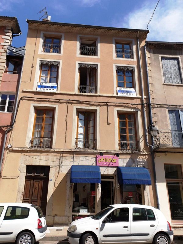 Sale building Crémieu 490 000€ - Picture 1