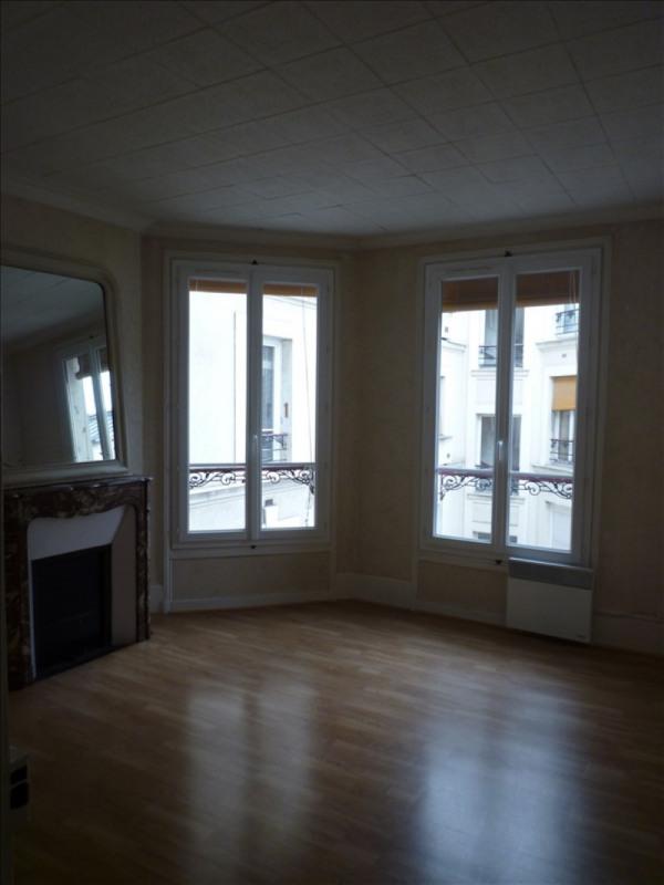 Rental apartment Paris 17ème 1250€ CC - Picture 1