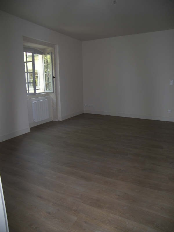 Location appartement Nimes 545€ CC - Photo 2