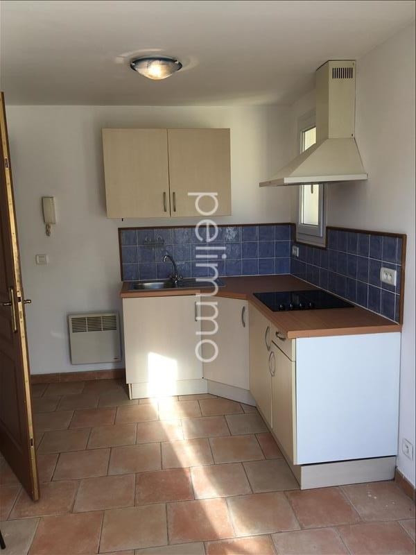 Rental apartment Grans 495€ CC - Picture 2