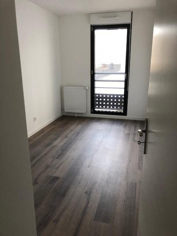 Rental apartment Athis mons 920€ CC - Picture 4