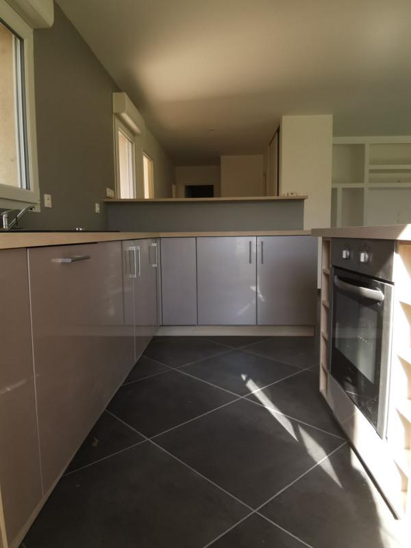 Sale house / villa Estrablin 268000€ - Picture 2