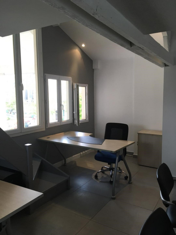 Rental office Colombes 2 600€ HT/HC - Picture 5