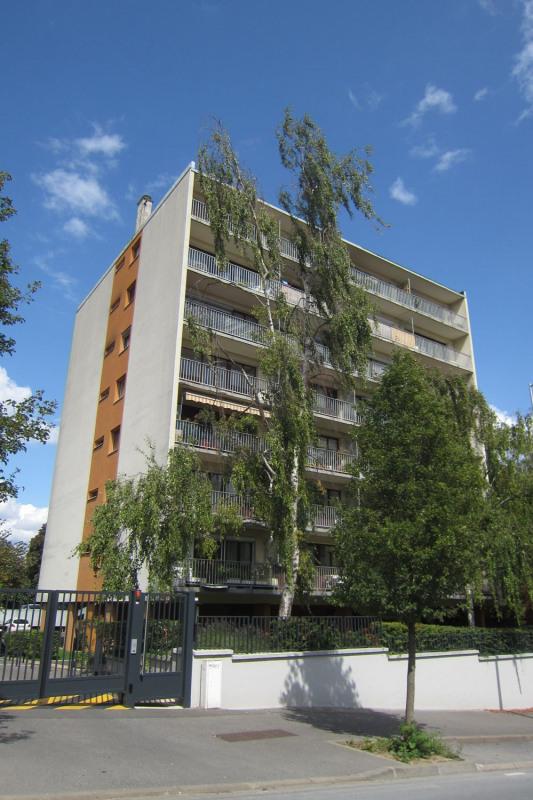 Rental apartment Cachan 1100€ CC - Picture 1