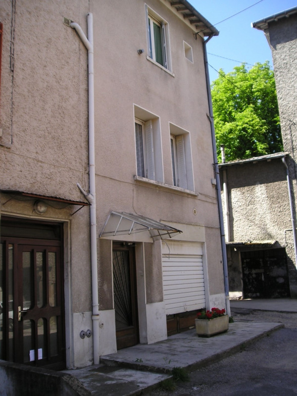 Rental apartment Oullins 300€ CC - Picture 1