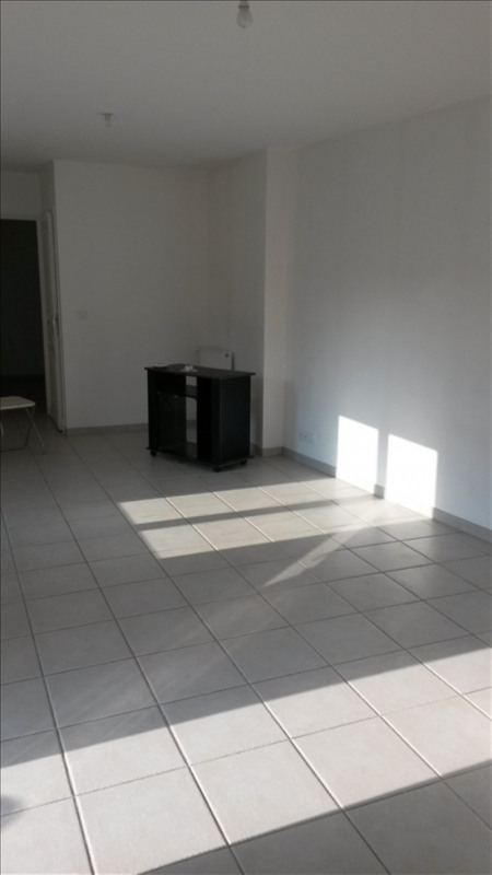 Location maison / villa Sainte colombe 715€ CC - Photo 3